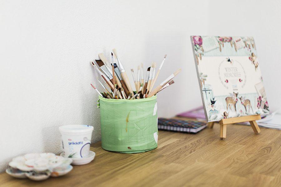 staffli och målarsaker